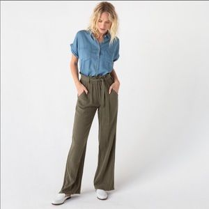 Thread & Supply green paper bag waist pants large